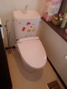 大便器はそのままで暖房便座をシャワートイレに交換