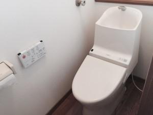 TOTOGG-800便器に変更。手洗器が大きく洗いやすい形状をしています。