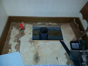 床排水位置確認 既存は130mmです