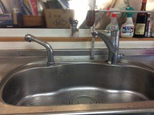 シングルレバー水栓からの漏水で水がぽたぽた止まらない